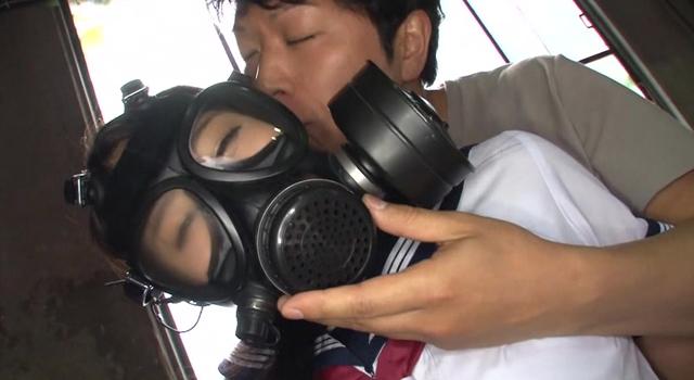 エロ動画、ガスマスク陵辱女子校生の表紙画像