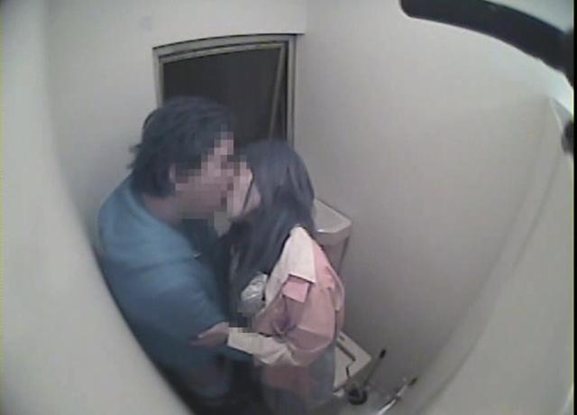 エロ動画、東京○○沿線忍び込みトイレ盗撮 「拙者は便器になりたい!」の表紙画像
