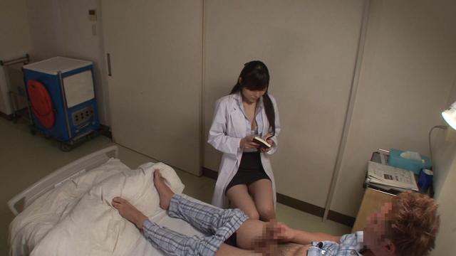エロ動画、仕事熱心な看護師/女医に「勃起不全の治療」として官能小説の読み聞かせをお願いしたら冷静な顔してパンツの濡れが止まらないVOL.2の表紙画像