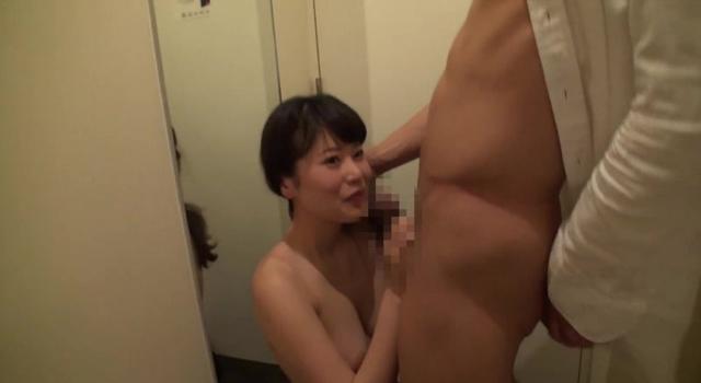 完全顔出し素人ナンパ!仕事中のガチ美人をナンパしてSEXまでヤる!!〜新宿編