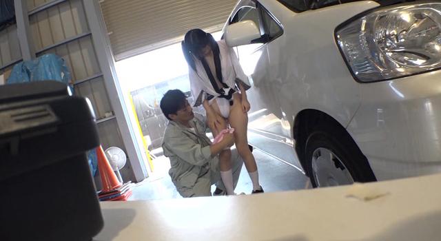 【エロ動画】お祭り中のふんどし娘と仲良くなって芋ヅル式に何人もセックスのエロ画像1枚目