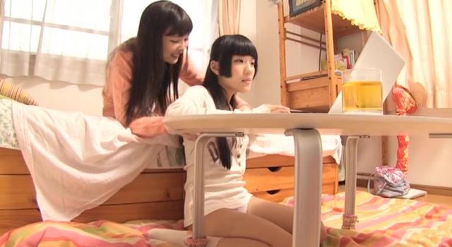 【エロ動画】パイパンロリっ娘秘密のレズ寮のエロ画像1枚目