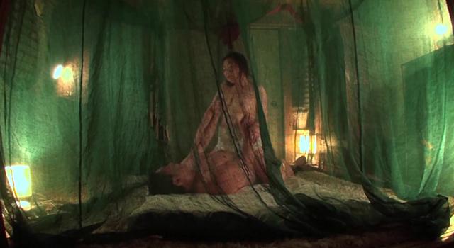 【エロ動画】美尻の四十路妻は、地下アイドル!? 夢華さら 玉肌を桃色に染めナマ肉棒に狂う妻!素人わけあり熟女生中出しのエロ画像1枚目