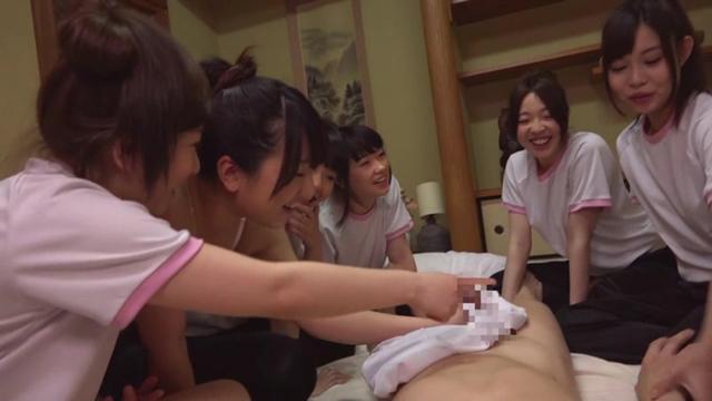 宿泊するホテルで16人の女生徒たちにからかわれ、なぶられ、中出しを強要される男性教師2