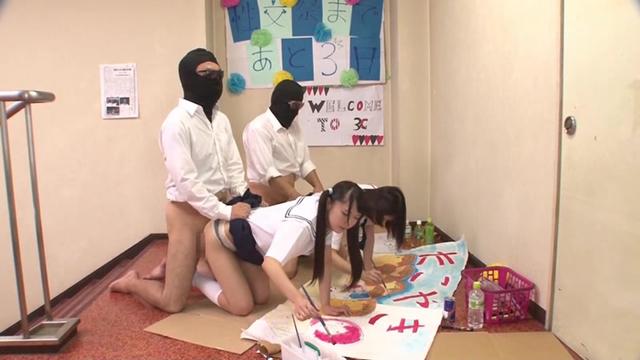 ―セックスが溶け込んでいる日常― 学園生活で「常に性交」女子○生 夏服・文化祭編