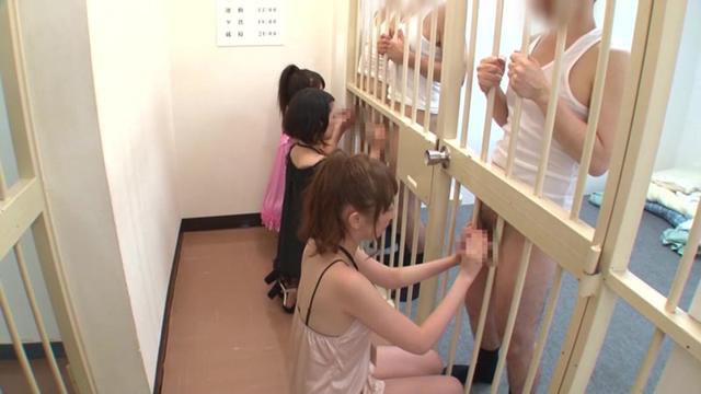 服役中の性機能低下をローションマットプレイで防ぎ、更生率100を誇る 性処理と社会復帰の為のソープランド付き刑務所
