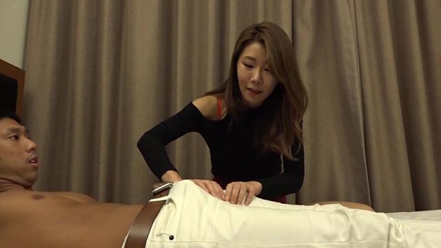 韓国エステ嬢に馬並みデカチンを見せつけ無理やり口にネジこんで強制イラマからの絶倫セックス!!