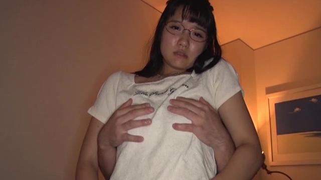 「私をオモチャにしてください・・」アスリート体型のM奴隷パイパン少女