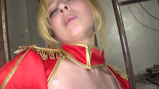 美少女剣士×アナル&マ●コ2穴中出しファック×10連続大量ザーメンぶっかけ カリナ