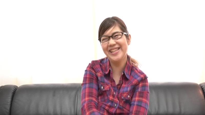 ホームセンターの園芸コーナーでパートをするダイナマイトボディのメガネ主婦 雪染さん25歳