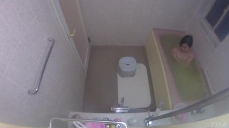 姉を盗撮し続け、風呂場でこじ開けレイプした弟の犯行記録映像