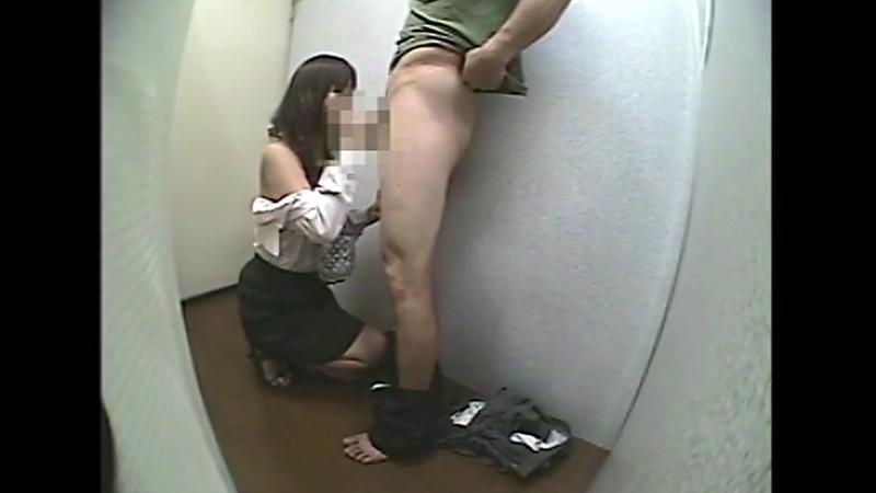 試着室で女性店員に勃起チ○ポを露出して裾上げ依頼260分