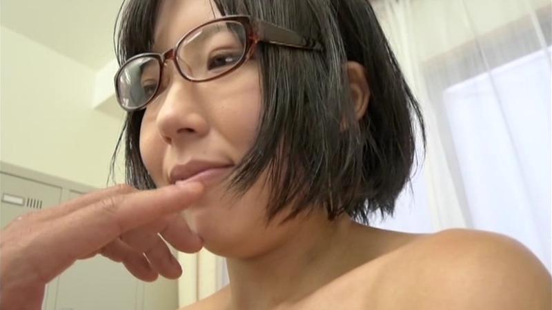 ペットショップで働くアニメ好き細っそり奥さんはエッチな想像だけでパンツを汚すドMで隠れスケベのメガネ主婦 波形さん25歳