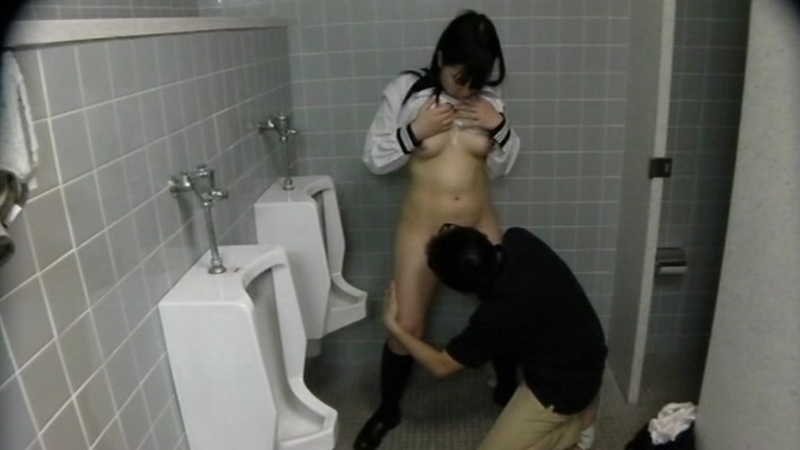 女子校生トイレ無理やり強姦校内のトイレで無理やりバックで挿入25人4時間