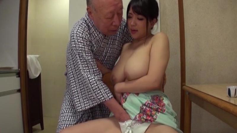 老人たちに寝取られたセックスレスの夫を持つ爆乳どすけべ嫁