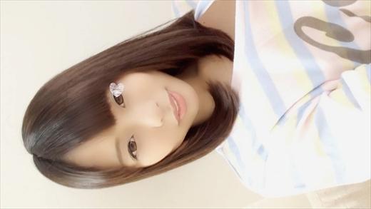 【自画撮りオナニー】個人撮影♥推定19歳♥普段はス●バカフェバイトちゃん♪美少女のひめゴトです♪Hオナ♥のタイトル画像