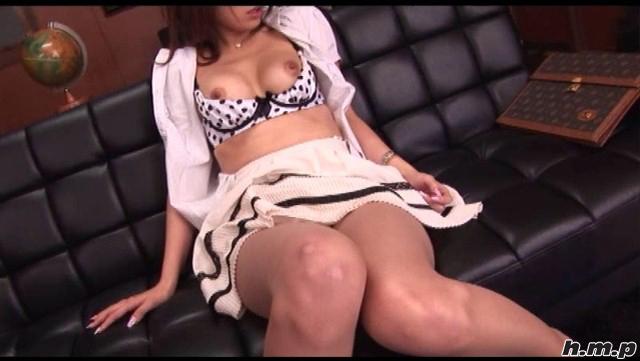 【エロ動画】高校痴女教師 雨音レイラのエロ画像1枚目