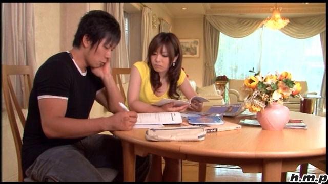【エロ動画】やりすぎ家庭教師 松下桃香のエロ画像1枚目