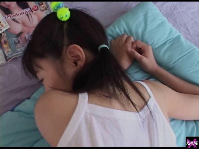 【エロ動画】美少女の膨らみ Vol.28のエロ画像1枚目