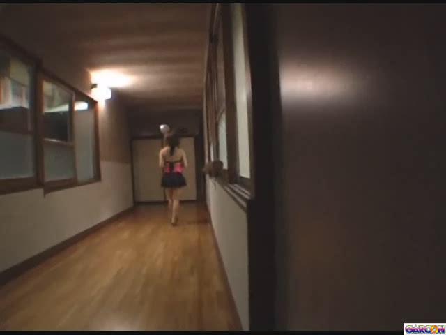 【エロ動画】巨乳露天風呂ギャル夜這いレイプ失恋旅行でやって来る一人旅ギャルを極悪非道の夜這いレイプ!!のエロ画像1枚目