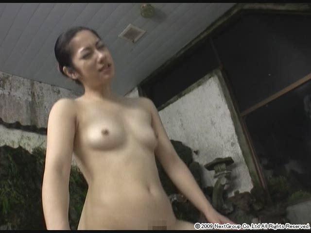 エロ動画、美人女将の中出し温泉宿の表紙画像