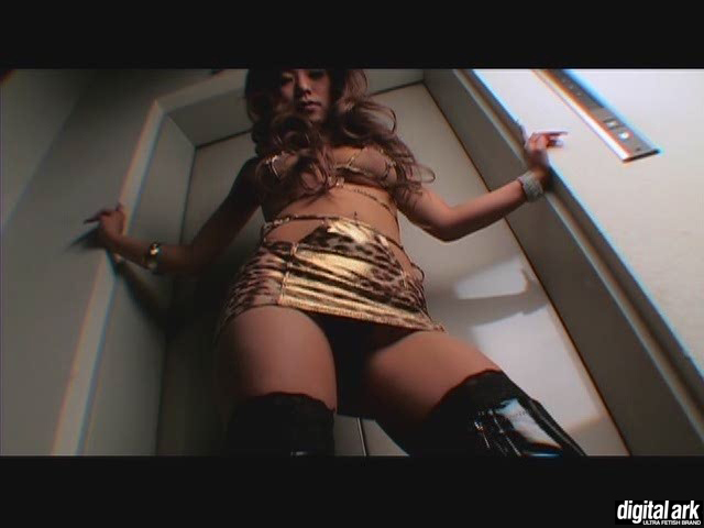 """エロ動画、Hot Models Sarina """"Jul""""(刻印DIGI-030)の表紙画像"""