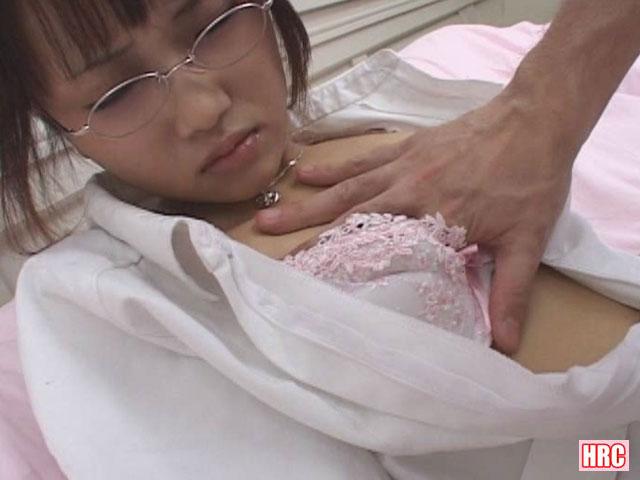【エロ動画】メガネナースは拘束されて喰われたいのエロ画像1枚目