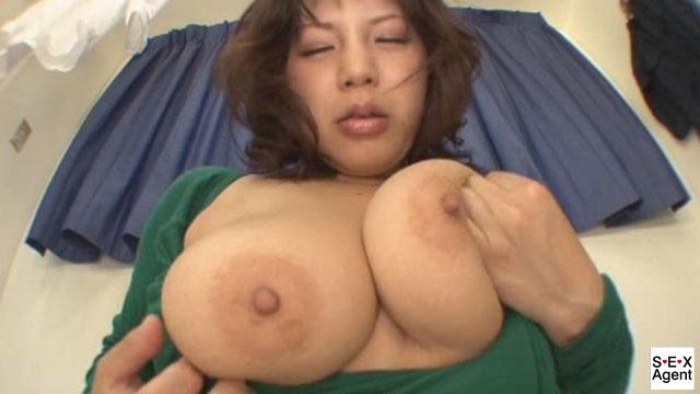 【エロ動画】変態熟女のありえないオナニー狂記のエロ画像1枚目