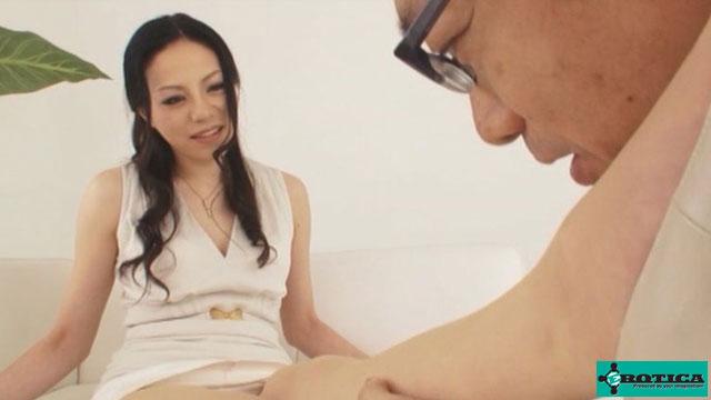 【エロ動画】人気婦人誌ファッションモデルAVデビューのエロ画像1枚目