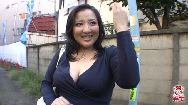 エロ動画、豊満巨乳 沙知子 37歳の表紙画像